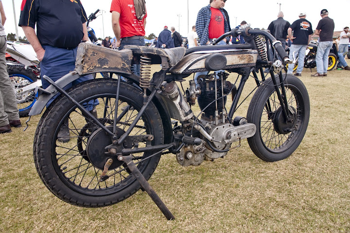 2012-CompetitionClass-JustinWades1926500ccNorton_3
